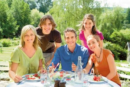 lec-famille-repas-01